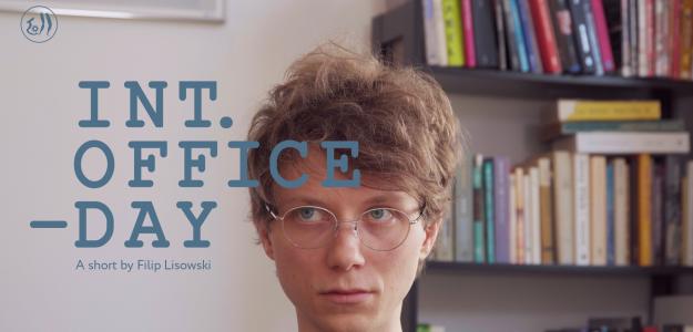Kadr z filmu INT. Office - Day.